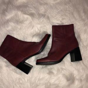 Vintage burgundy and black platform gogo boots S8